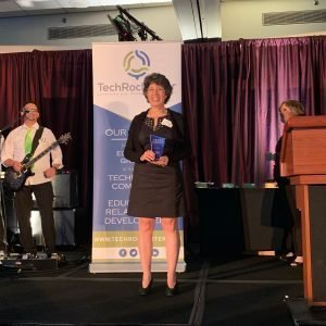 Leslie Kimerling of Double Helix Optics wins GREAT Award for Emerging Tech Company